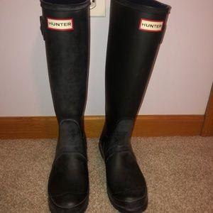 tall matte black hunter boots